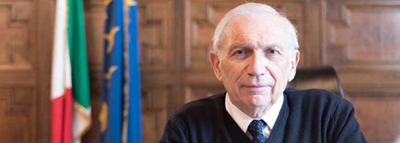 Bianchi prepara la riforma per introdurre Filosofia negli istituti tecnici.